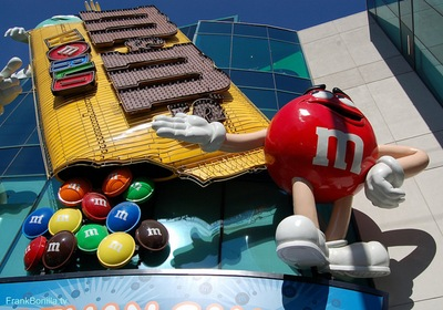 m&m world